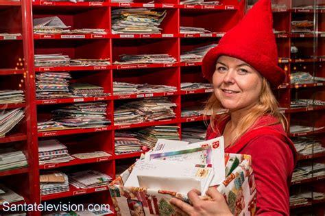 ufficio postale babbo natale foto elfo di babbo natale nell ufficio postale di