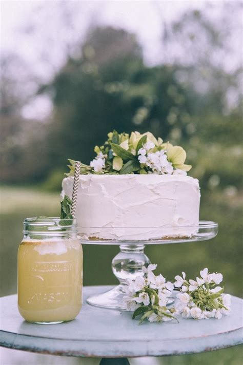 How To Make Wedding Cake by 10 Tips For Your Own Wedding Cake