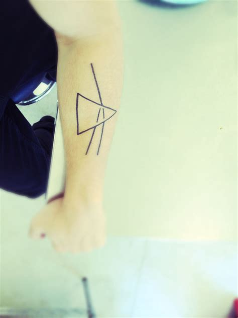 dark side of the moon tattoo pink floyd side of the moon forearm