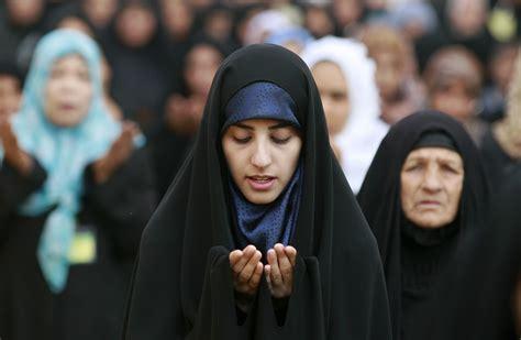 tutorial hijab segi empat istri ridwan kamil pilih warna hijab yang sesuai dengan warna kulitmu