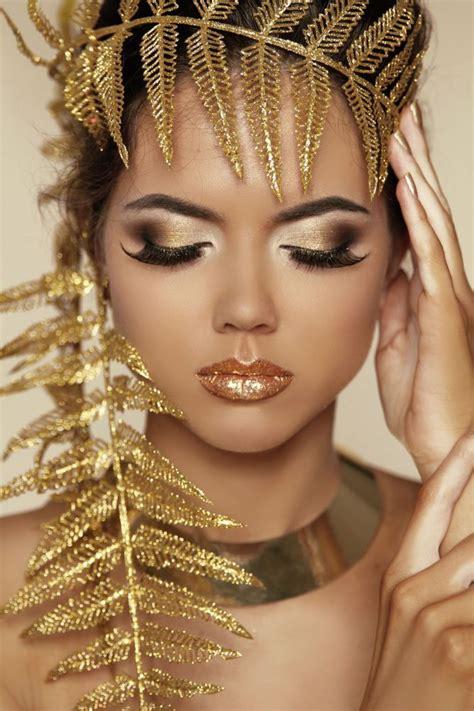 eyeliner tutorial romana maquillaje look dorado hogarmania