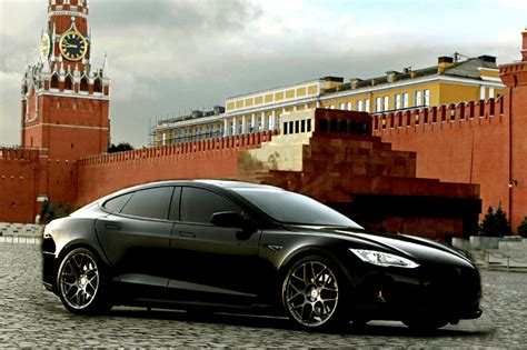 Tesla In Russia Photos Tesla Model S 2015 From Article Green Center
