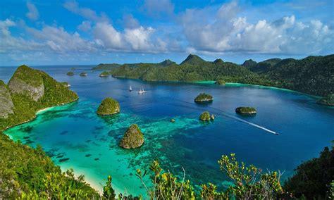 raja ampat indonesia lovely ocean bay islands  green trees hd desktop wallpaper