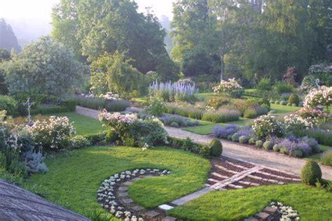 Jardin De Maison by Les Jardins De Viels Maisons