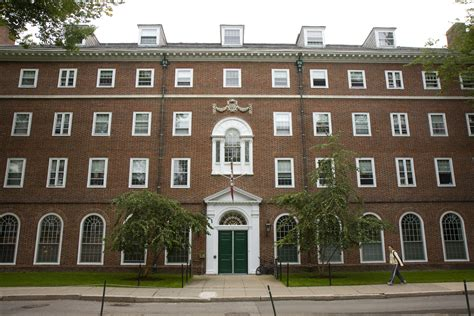 harvard houses harvard renews undergraduate houses announces winthrop house will close in 2016
