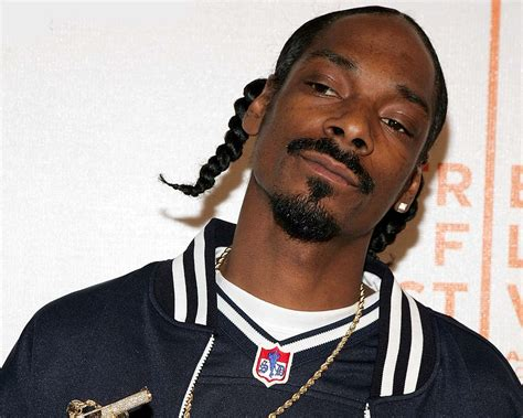 snoop dogg kicked out of long beach by gang members rap
