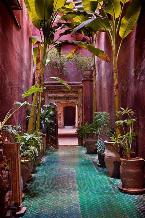 Moroccan Garden Ideas Moroccan Garden With Pink Plaster Walls Turquoise City Garden Houseandgarden Co Uk