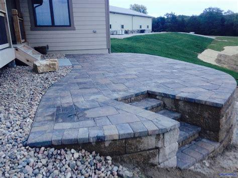 paver patio with retaining wall paver patio with retaining wall after paver patio