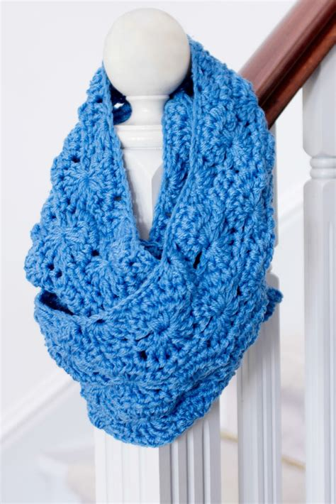infinity scarf 30 fabulous and free crochet scarf patterns