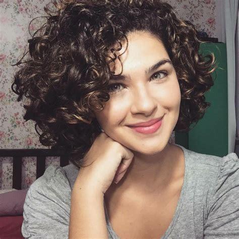 1001  Ideas de pelo corto rizado   cortes y cuidado