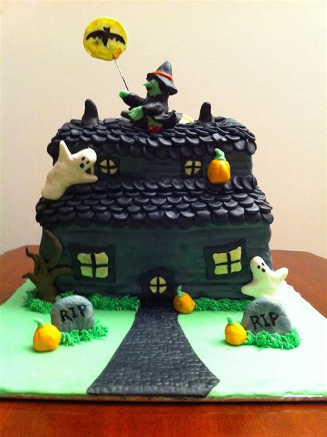 house cake designs haunted house cake decorating ideas haunted house cakes