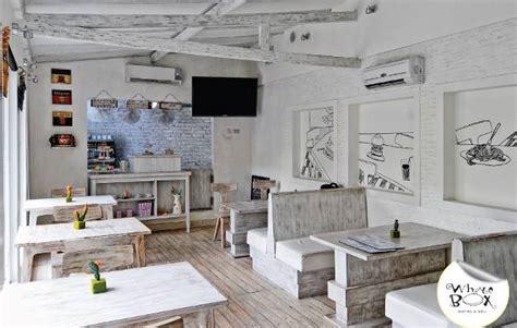 desain interior ikj kenyamanan makan sembari rapat santai