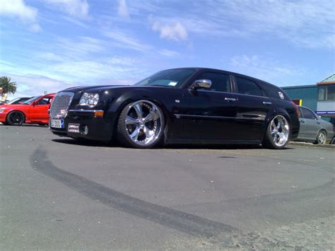 2005 dodge magnum srt8 related infomation specifications