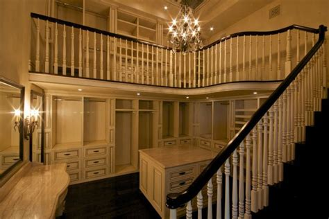 Two Story Walk In Closet by Another Two Story Closet Want Beautiful Homes Closets And Heavens