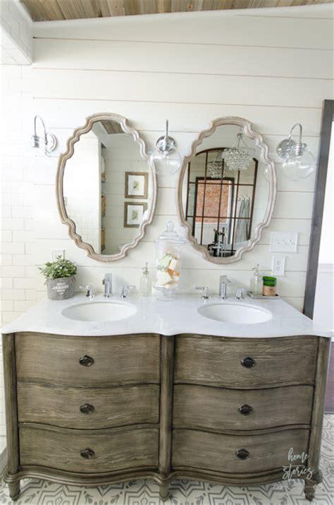 choose   decorate  bathroom vanity simply