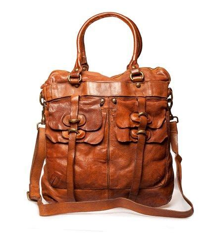 Tas Collectable Shoulder Bag i absolutely need this bag for my holidays now anyone