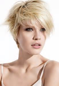 coupe courte degradee femme