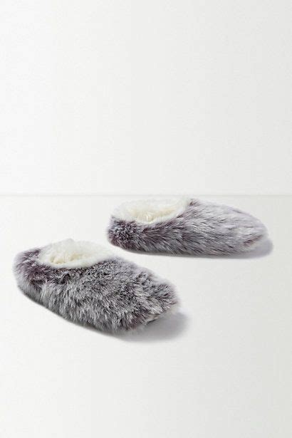 snow leopard slippers snow leopard faux fur slippers anthrofave anthropologie