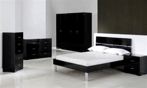 white chic furniture black and white bedroom makeovers