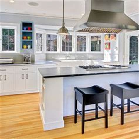 vent hood over kitchen island 1000 images about pendant lights over island on pinterest
