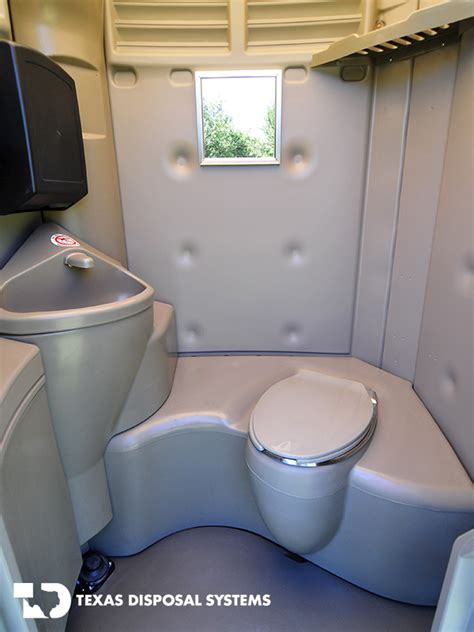 mobile bathrooms portable toilet solutions portable restroom solutions tds