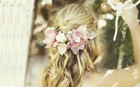 Hochzeitsfrisur Boho by Hochzeitsfrisuren Boho Chic Frisur Mit Blumen