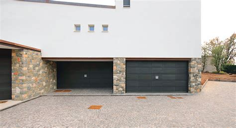 Unique Garage Door by Essential Characteristics Of The Unique Garage Doors Silvelox Home Design By Larizza
