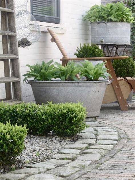 Garden Tubs And Planters by Inexpensive Tubs Make Great Planters Add So Much To Any