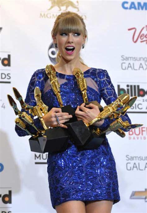 taylor swift billboard 2013 taylor swift big winner at 2013 billboard music awards