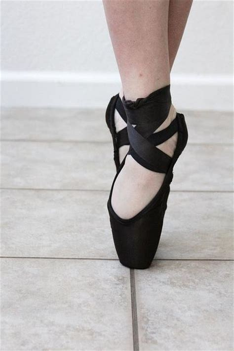 diy pointe shoes diy shoes diy refashion diy how to dye pointe shoes black