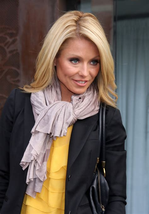 kelly ripa photos kelly ripa photos photos kelly ripa seen out in new york