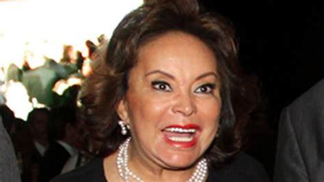 elba esther gordillo classify mexican american journalist maria hinojosa