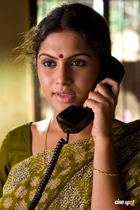 film actress malayalam film shruthi ramakrishnan kannada film actress tontenk