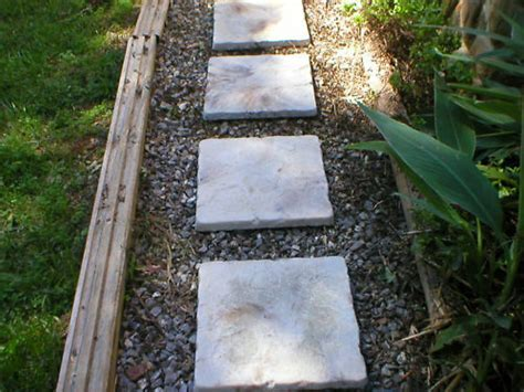 3 1 free 18x18 cement castle steppingstone paver molds ebay - Concrete Patio Blocks 18x18