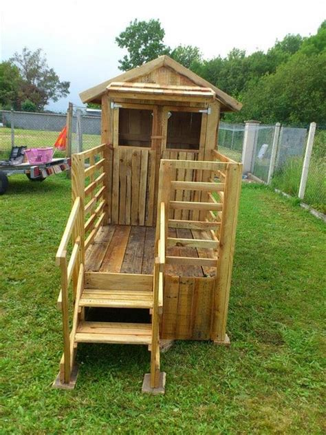 pallet play house kids playhouse from wooden pallets pallet wood projects