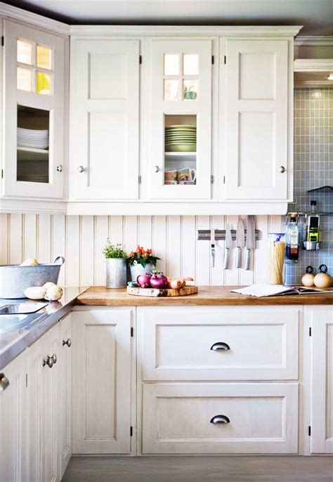 traditional white kitchen cabinets 25 best ideas about traditional white kitchens on