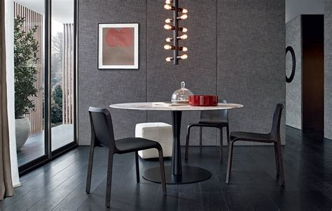 Lacquer dining room