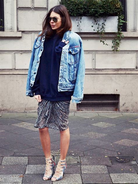 How To Wear A Jean Jacket Without Looking Like A Bag by Oversized Denim Jackets Jackets
