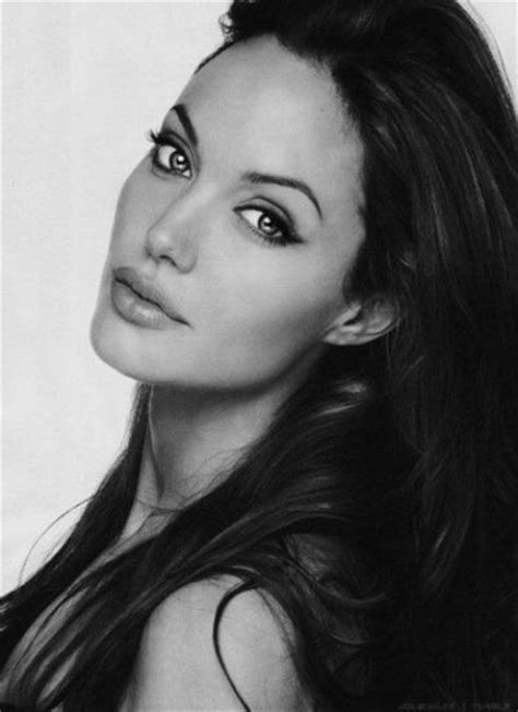 picsof women in their thirties women we love in their 30s beautiful in black and white