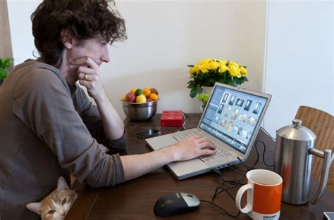 nine out of ten employees not allowed to work from home