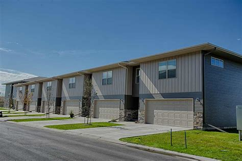 St Apartments Grand Forks Nd Cottage Grove Townhomes 187 Enclave Development