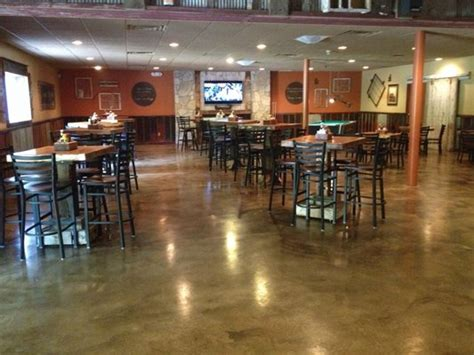 tops bar and grill seating masters helps boundaries to a successful opening
