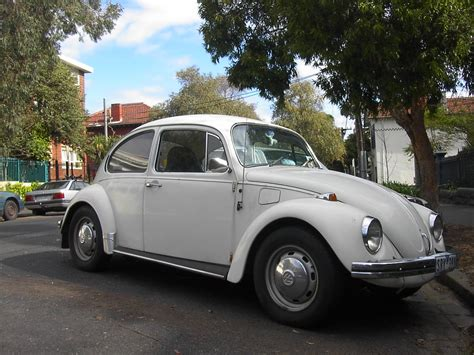 white volkswagen file white volkswagen beetle jpg wikimedia commons