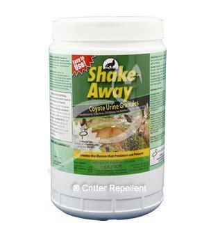 urine repellent shake away all deer large animal repellent coyote urine granules 4 lb