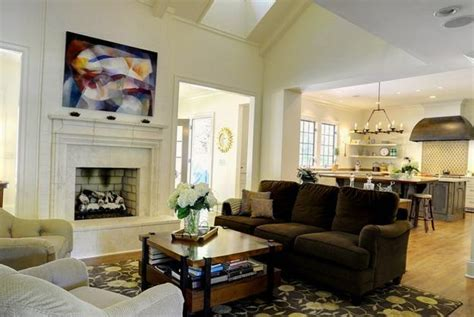 how to stage a small living room 22 small living room designs spacious interior decorating and home staging tips