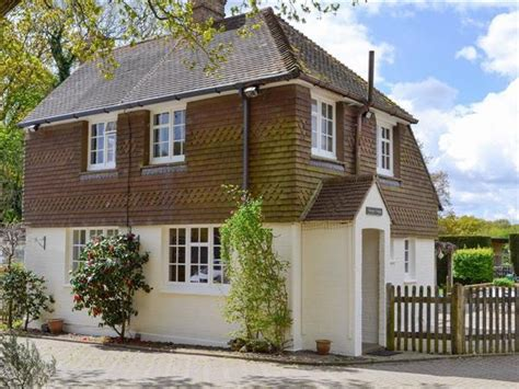 Cottages In Sussex With Dogs by Boat House Cottage In Pevensey Bay East Sussex Try