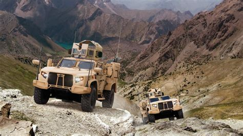 humvee replacement duramax powered jltv to replace humvee gm authority