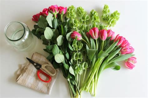 how do flowers last 5 simple ways to make fresh flowers last longer pretty