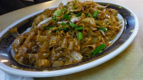 fried kueh teow fried flat rice noodle recipe