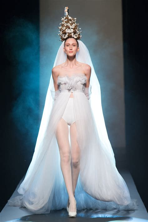 jean paul gaultier for christian dior jean paul gaultier haute couture s s 2015 paris graveravens
